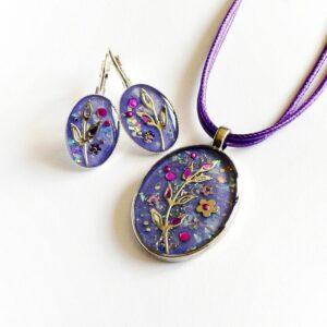 Oválný fialový náhrdelník s náušnicemi
