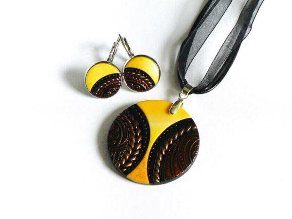 Žluto černý náhrdelník kulatý s náušnicemi