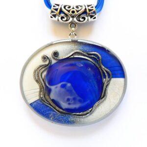 Modro bílý náhrdelník