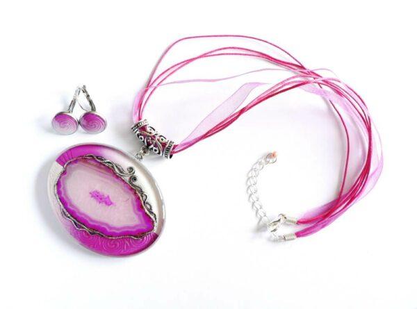 Pryskyřicový náhrdelník s růžovým achátem a náušnicemi