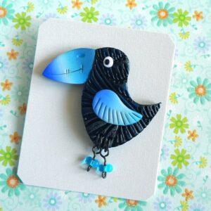 Brož modrý ptáček s nožičkami