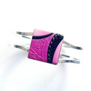 Mechanický, otevíratelný růžovo černý náramek