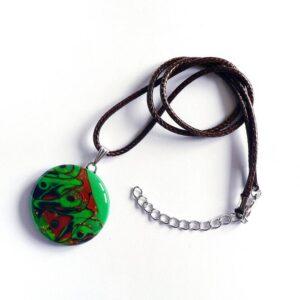 šperk, zelený přívěsek, náhrdelník na řemínku