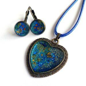 Modrý náhrdelník s náušnicemi v soupravě