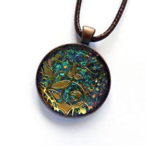 Zeleno tyrkysový třpytivý náhrdelník na řemínku