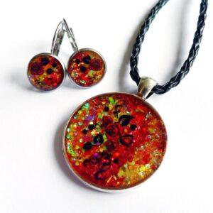 červeno oranžová souprava, náhrdelník na řemínku s náušnicemi z chirurgické oceli