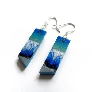 Visací tyrkysově modré náušnice